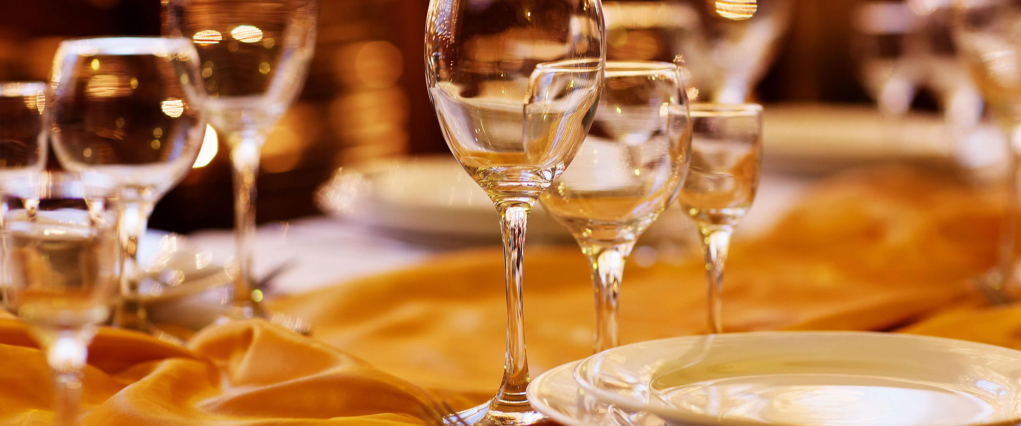 food and beverage services This national competency model for the food and beverage service industry sets  a consistent standard for educators and employers and provides employees,.